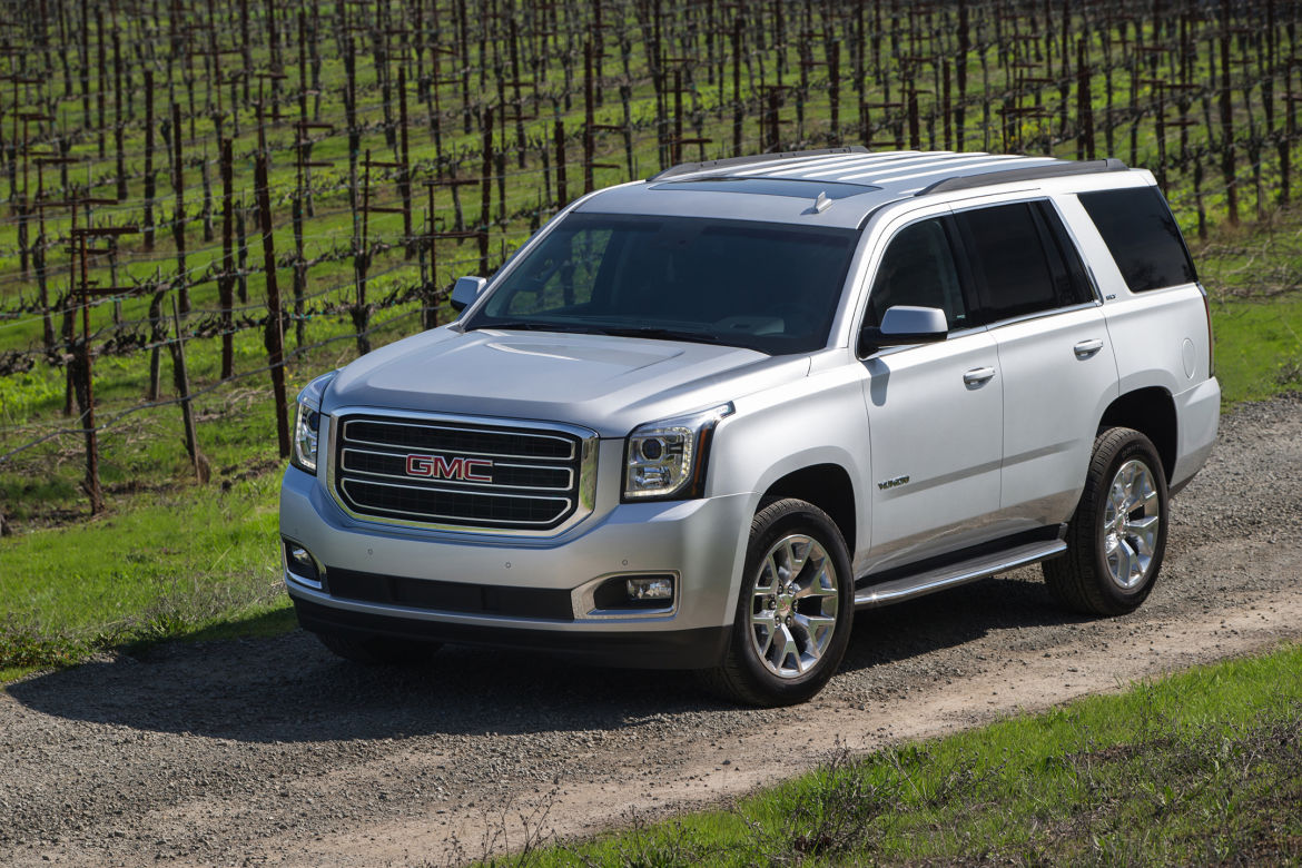 why the 2016 chevy tahoe beats the gmc yukon jay hodge. Black Bedroom Furniture Sets. Home Design Ideas